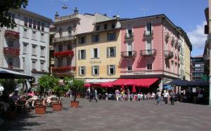 Майски празници - Милано и Швейцария - Шоколад, Гардаланд и Бернина Експрес
