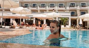 Коледа в Гърция: 3 нощувки със закуски и вечери + СПА в Danai Hotel and Spa 4*, Олимпийска Ривиера!