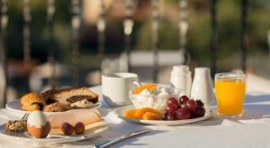 3 нощувки със закуски и вечери в хотел Alexandros Palace 5*, Урануполи, Халкидики през Май!