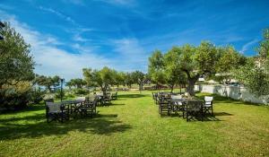 5 нощувки със закуски и вечери в хотел Anastasia Resort & Spa 5*, Халкидики, Гърция през Май и Юни! Дете до 14,99г. - безплатно!