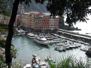 МАЙСКИ ПРАЗНИЦИ - Италианска приказка - Портофино , Чинкуе Тере и Заливите на Байрон и Андерсен
