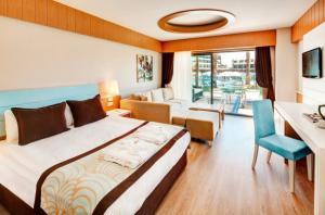 Ultra All Inclusive почивка в Анталия – Club Jacaranda Imperial 5*