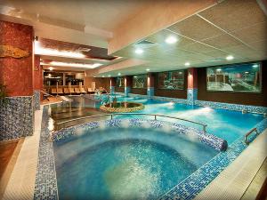 """Хотел АкватониК 4* - Велинград -  делничен промо пакет \""""Relax\"""" + Безплатен SPA пакет , цена за Двама от 145 лева"""