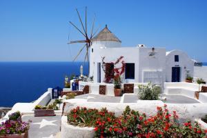 Автобусна екскурзия Санторини - островът с най-красивите залези без нощни преходи