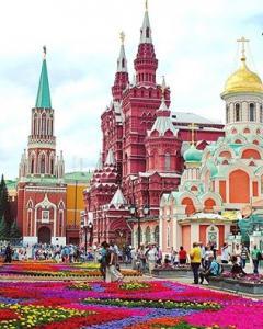 Септемврийски празници в Русия - Москва и Санкт Петербург от Варна