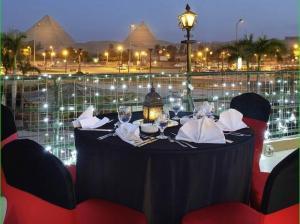Почивка Перлите на Египет - Хургада + Кайро с полет от Варна - хотел Caesar Palace Hotel & Aqua Park 5*