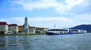 ПОТВЪРДЕНА за 17.10.2018! Круиз по река Дунав - екскурзия с кораб и самолет от София