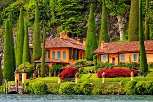 Септемвриийски празници Италиански езера и езерото Лугано с полет от София