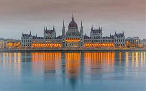 55+ и приятели: БУДАПЕЩА, големият завой на Дунав, Вишеград, Естергом, Сентендре, Виена, Братислава - полупансион, автобус