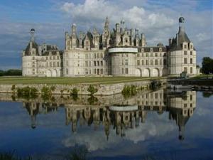 Париж, замъците по Лоара, Мон Сен Мишел, Южна Франция, Италия - автобус от София и Пловдив