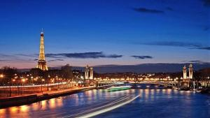 ПАРИЖ, Версай, Замъците по Лоара, Дисниленд, Руан, Страсбург, Колмар - 25.08.2018 - самолет