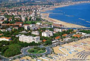 Почивка в Италия, Римини - хотел Vittoria 4* с полет от София