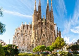 Септемврийски празници в Барселона, Испания с полет от София