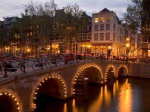 Предколеден уикенд в Амстердам с полет от Варна - специални промо цени!