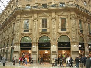 Коледно настроение в Милано, Италия с полет от София - ранни записвания