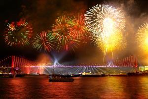 Нова година в Истанбул, Турция от ВАРНА + ГАЛА вечеря на корабче по Босфора