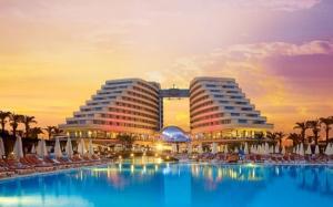 Супер промоция! НОВА ГОДИНА 2019 в Турция - Лара, Анталия - 4 нощувки, полет от Варна и София - Miracle Resort 5*