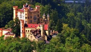 Екскурзии 2019! БАВАРСКИ ЗАМЪЦИ: Залцбург - Инсбрук - замъкът Линдерхоф - замъците Хьоеншвангау и Нойшванщайн - Мюнхен, автобусна екскурзия от София и Пловдив
