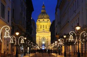 Коледа 2018 в БУДАПЕЩА  и БЕЛГРАД, автобус от Варна, Шумен, Велико Търново, Плевен, 4 нощувки със закуски + 2 Празнични вечери в х-ли 3*, ПОТВЪРДЕНА!
