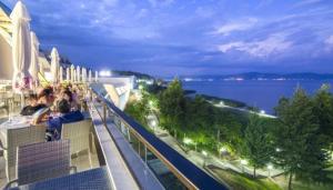 Нова година 2019 в МАКЕДОНИЯ на Охридското езеро, автобус от София и Кюстендил, 3 нощувки + 3 закуски + 1 обяд + 3 Празнични вечери в х-л ДРИЙМ 4*