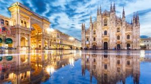 Коледно настроение в Милано, Италия с полет от София