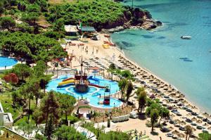 Нова година 2019 в Кушадасъ, Турция - Aria Claros Beach & SPA 5*, автобусна програма 4 нощувки от В.Търново