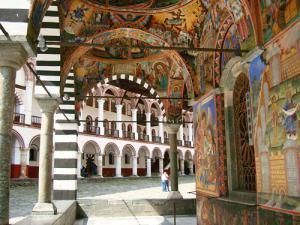 Рилски манастир-Мелник-Рупите-Роженски манастир-Банско Майски празници от Добрич,Варна,Шумен
