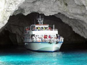Почивка на остров Корфу през Август 6 нощувки закуски и вечери от варна,Шумен,Велико Търново и София