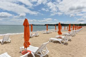 На море в Приморско - Хотел МАГНОЛИИТЕ 3* - ALL INCLUSIVE